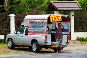 Taxis warten bei Ihrer Anreise